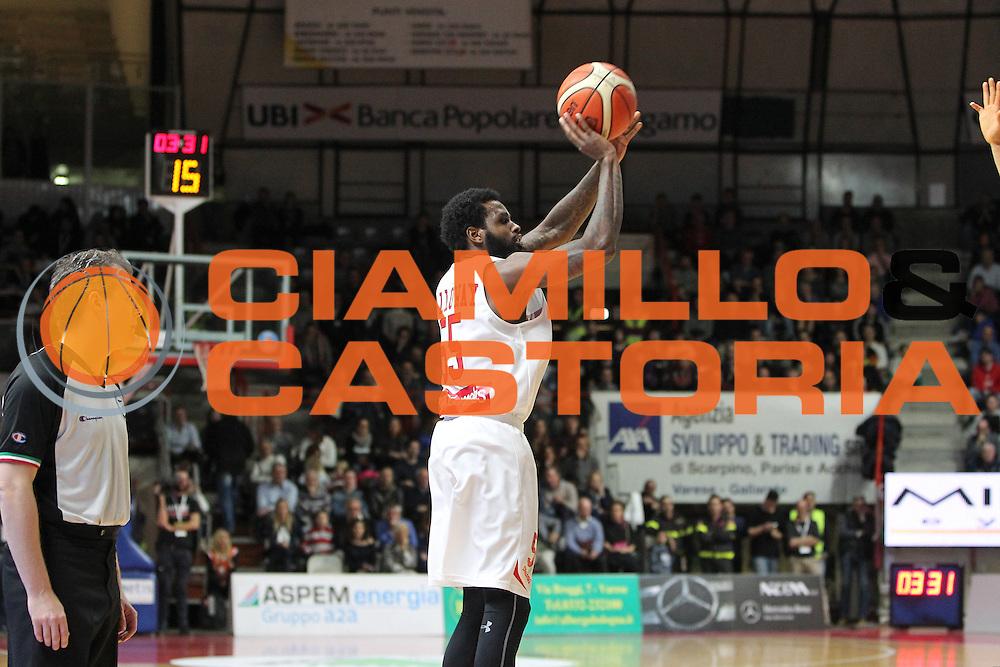 DESCRIZIONE: Varese Lega A 2015/16 <br /> Openjobmetis Varese vs Obiettivo Lavoro Bologna<br /> GIOCATORE: Ramon Galloway<br /> CATEGORIA: tiro<br /> SQUADRA: Openjobmetis Varese<br /> EVENTO: Campionato Lega A 2015-2016<br /> GARA: Openjobmetis Varese Obiettivo Lavoro Bologna<br /> DATA: 22/11/2015<br /> SPORT: Pallacanestro<br /> AUTORE: Agenzia Ciamillo-Castoria/A. Ossola<br /> Galleria: Lega Basket A 2015-2016<br /> Fotonotizia: Varese Lega A 2015-16 <br /> Openjobmetis Varese Obiettivo Lavoro Bologna