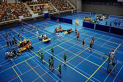 11-04-2009 VOLLEYBAL: ASICS OPEN: APELDOORN <br /> In Apeldoorn werden de finales van AsicsOpen georganiseerd / Omnisport hal Apeldoorn finale jongens en meisje B<br /> ©2009-WWW.FOTOHOOGENDOORN.NL