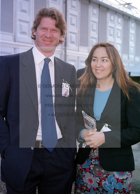 MR & MRS MARK GETTY at the Chelsea Flower show<br />  in London on 22nd May 2000.OEJ 127