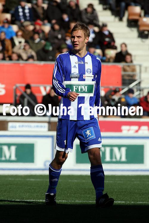 18.04.2009, Finnair Stadium, Helsinki, Finland..Veikkausliiga 2009 - Finnish League 2009.HJK Helsinki - Kuopion Palloseura.Pyry K?rkk?inen - HJK.©Juha Tamminen.