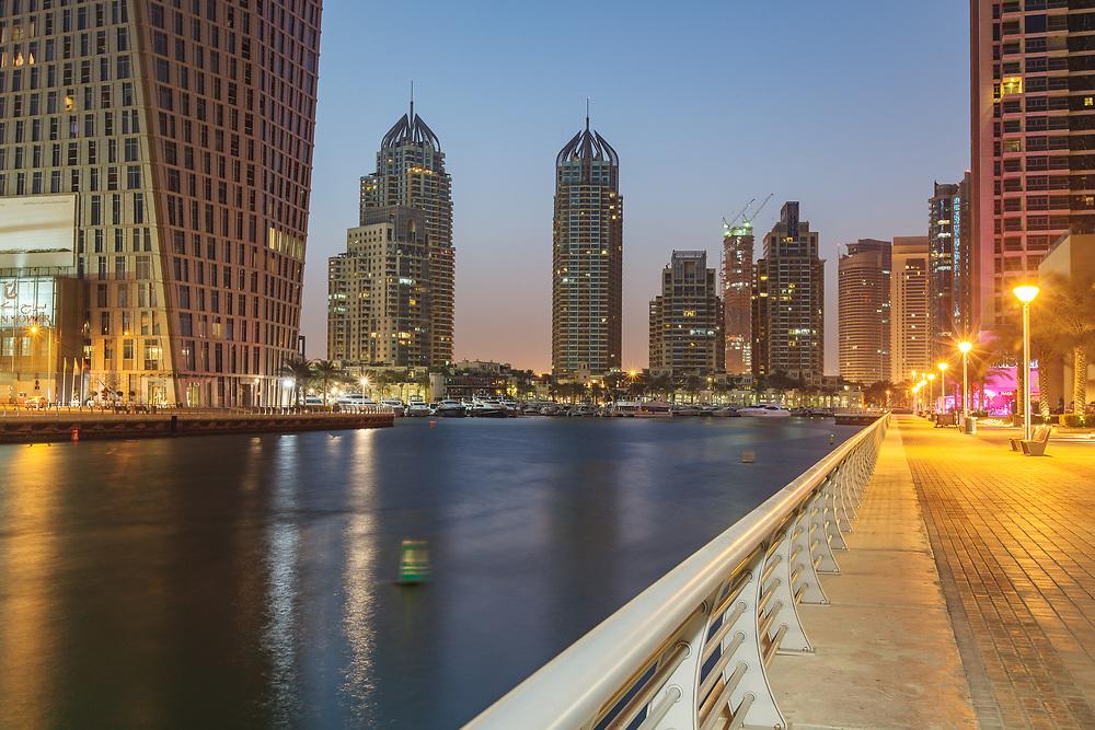 Dubai Marina - waiting for sunrise