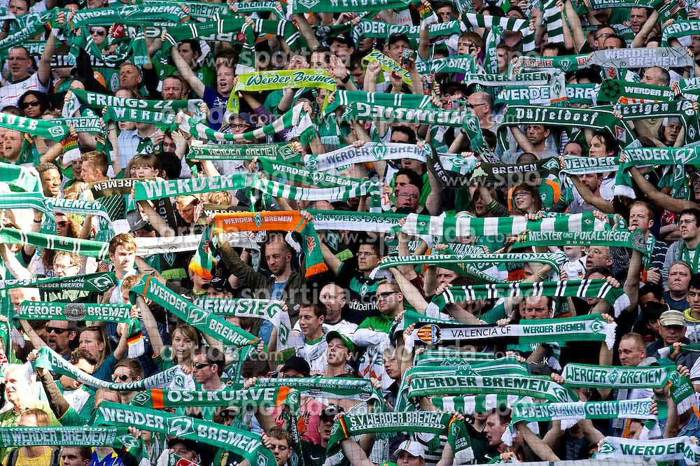02.04.2011, Weserstadion, Bremen, GER, 1.FBL, Werder Bremen vs VFB Stuttgart, im Bild  Ostkurve Fans   EXPA Pictures © 2011, PhotoCredit: EXPA/ nph/  Kokenge       ****** out of GER / SWE / CRO  / BEL ******