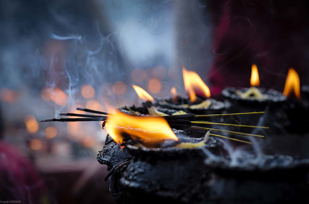 — Butter lamps and incense help purify the air and invoke a positive spiritual mood conducive to meditation and prayer.