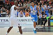 DESCRIZIONE : Campionato 2014/15 Dolomiti Energia Aquila Trento - Dinamo Banco di Sardegna Sassari<br /> GIOCATORE : Edgar Sosa<br /> CATEGORIA : Palleggio Schema Mani<br /> SQUADRA : Dinamo Banco di Sardegna Sassari<br /> EVENTO : LegaBasket Serie A Beko 2014/2015<br /> GARA : Dolomiti Energia Aquila Trento - Dinamo Banco di Sardegna Sassari<br /> DATA : 15/12/2014<br /> SPORT : Pallacanestro <br /> AUTORE : Agenzia Ciamillo-Castoria / Luigi Canu<br /> Galleria : LegaBasket Serie A Beko 2014/2015<br /> Fotonotizia : Campionato 2014/15 Dolomiti Energia Aquila Trento - Dinamo Banco di Sardegna Sassari<br /> Predefinita :