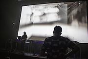PLAY 1 :: DADA SALON <br /> Musée d'art contemporain - Salle BWR<br /> vendredi 29 mai,<br /> Une soirée de compositions avant-gardistes et de rébellion noise où les artistes renversent et défient les fondations de la musique électronique avec des sonorités trouvées et des grooves aux contours glitch, élaborant un collage d'enivrantes textures qui nous font reluire la promesse d'un monde meilleur.