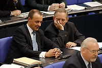20 DEC 2002, BERLIN/GERMANY:<br /> Friedrich Merz (L), CDU, Stellv. CDU/CSU Fraktionsvors., und Wolfgang Schaeuble (R), CDU, Stellv. CDU/CSU Fraktionsvors., im Gespraech, Plenum, Deutscher Bundestag<br /> IMAGE: 20021220-01-013<br /> KEYWORDS: Sitzung, Gespräch, Wolfgang Schäuble