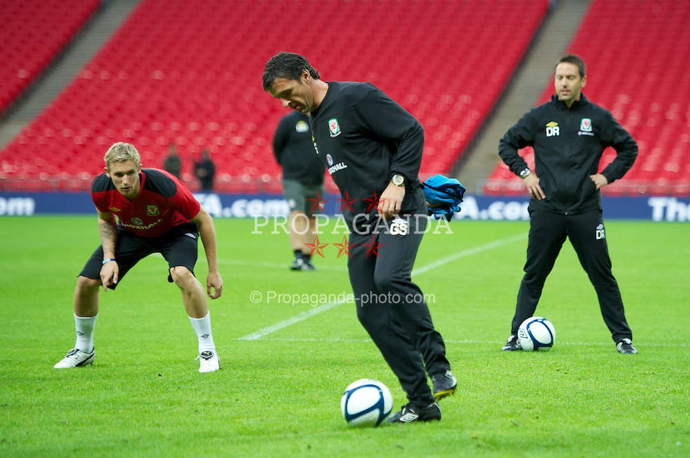 LONDON, ENGLAND - Tuesday, September 6, 2011: Wales' manager Gary Speed MBE during a training session at Wembley Stadium ahead of the UEFA Euro 2012 Qualifying Group G match against England. (Pic by David Rawcliffe/Propaganda)