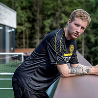Nederland, Zeist, 19 juli 2017.<br />Simon Gustafson,  is een Zweeds voetballer die bij voorkeur als centrale middenvelder speelt. Hij tekende in juli 2015 een contract tot medio 2019 bij Feyenoord, dat circa &euro;1.500.000,- voor hem betaalde aan BK H&auml;cken. Zijn tweelingbroer Samuel Gustafson is eveneens betaald voetballer.<br /> <br /> Feyenoord verhuurde Gustafson in juli 2017 voor een jaar aan Roda JC Kerkrade.<br /><br /><br /><br />Foto: Jean-Pierre Jans