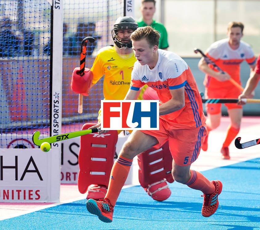 BHUBANESWAR -  Thijs van Dam (Ned)  tijdens  de Hockey World League Final wedstrijd Nederland-Spanje (2-3).  COPYRIGHT  KOEN SUYK