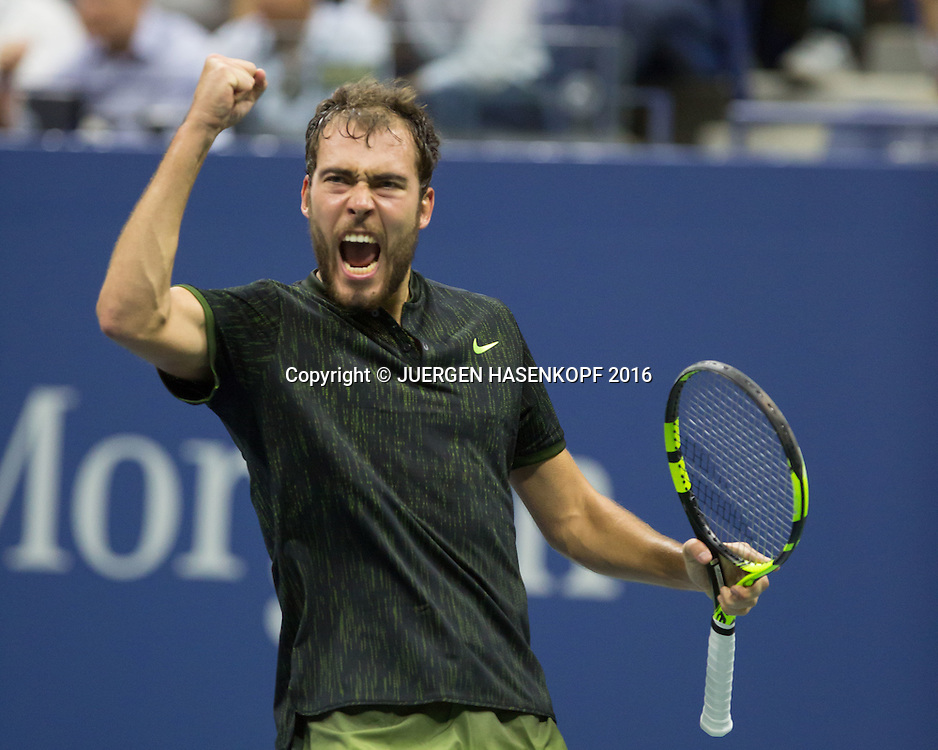 JERZY JANOWICZ (POL) macht die Faust und jubelt,Jubel,Emotion,<br /> <br /> <br /> Tennis - US Open 2016 - Grand Slam ITF / ATP / WTA -  Flushing Meadows - New York - New York - USA  - 30 August 2016.