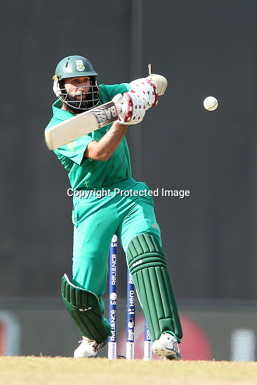 Hashim Amla plays a bouncer from Shane Watson and is caught behind during the ICC World Twenty20 Super 8s match between Australia and South Africa held at the Premadasa Stadium in Colombo, Sri Lanka on the 30th September 2012<br /> <br /> Photo by Ron Gaunt/SPORTZPICS