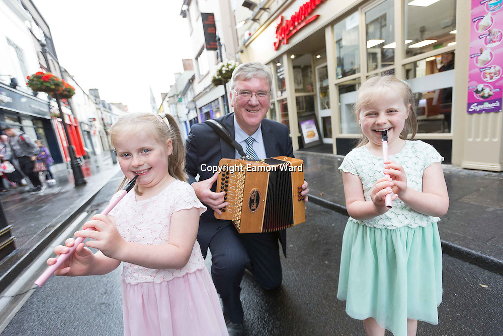 **NO REPRO FEE** Twins Síofra and Aoibhín Keenan from Sixmilebridge with Supermacs founder Pat McDonagh at the announcement of Supermac's sponsorship of Fleadh 2016 Inis. Photograph by Eamon Ward