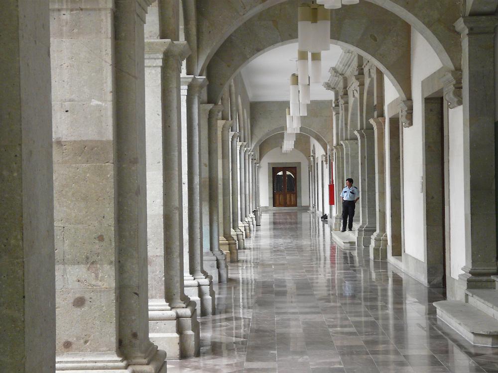 EN&gt; Interior of Oaxaca's Town Hall |<br /> SP&gt; Interior del Palacio de Gobierno de Oaxaca