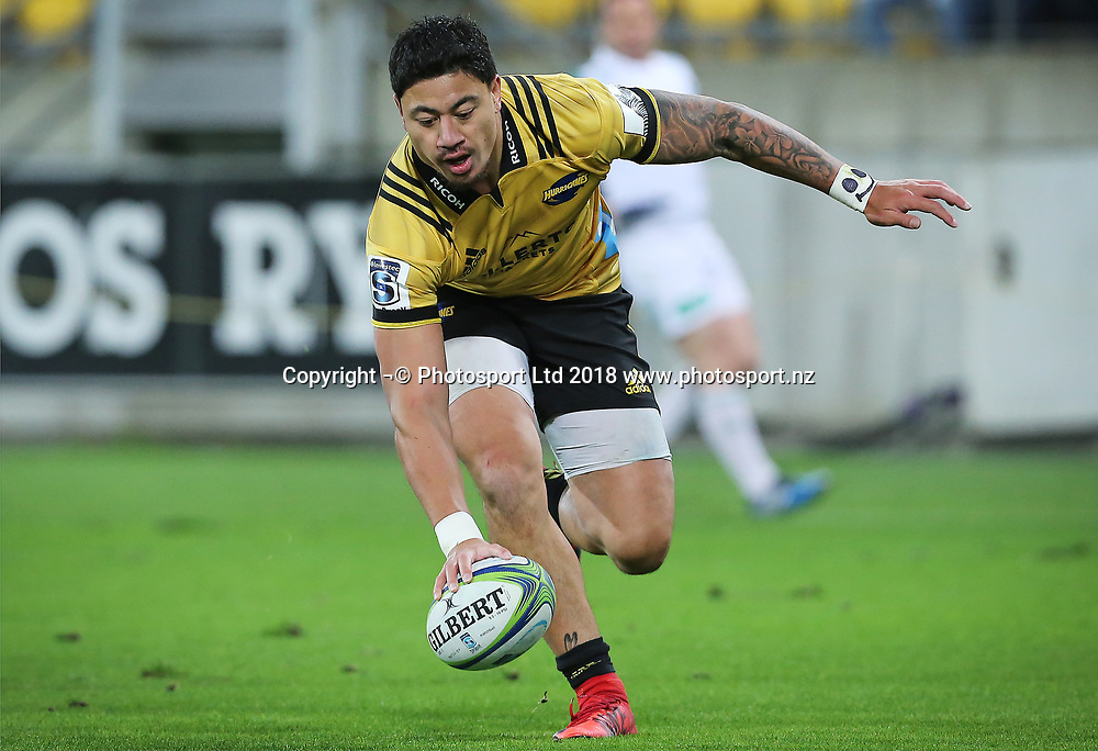 Hurricanes Ben Lam scores a try. Hurricanes V Chiefs. Super Rugby round 8 at Westpac Stadium, Wellington. 13th April 2018. © Copyright Photo: Grant Down / www.photosport.nz