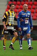 28.06.2006, Ratina, Tampere, Finland..Veikkausliiga 2006 - Finnish League 2006.Tampere United - FC Honka.Hannu Patronen (Honka) v Ville Lehtinen (TamU).©Juha Tamminen.....ARK:k