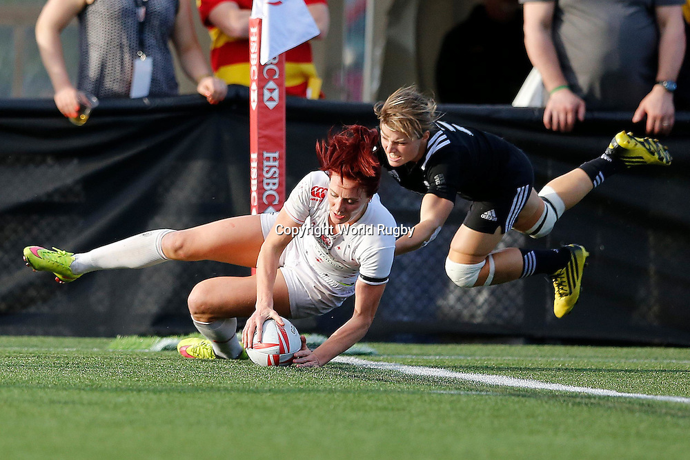 Joanne Watmore tocuhes down. Canada womens Sevens. PHOTO: Mike Lee @KLC FOTOS