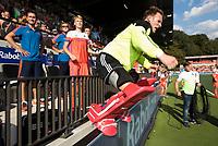 AMSTELVEEN -  keeper Pirmin Blaak (Ned) sprint het veld op na de finale Belgie-Nederland (2-4) bij de Rabo EuroHockey Championships 2017.   COPYRIGHT KOEN SUYK