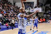 DESCRIZIONE : Campionato 2014/15 Serie A Beko Dinamo Banco di Sardegna Sassari - Acqua Vitasnella Cantu'<br /> GIOCATORE : David Logan<br /> CATEGORIA : Schiacciata Sequenza<br /> SQUADRA : Dinamo Banco di Sardegna Sassari<br /> EVENTO : LegaBasket Serie A Beko 2014/2015<br /> GARA : Dinamo Banco di Sardegna Sassari - Acqua Vitasnella Cantu'<br /> DATA : 28/02/2015<br /> SPORT : Pallacanestro <br /> AUTORE : Agenzia Ciamillo-Castoria/L.Canu<br /> Galleria : LegaBasket Serie A Beko 2014/2015