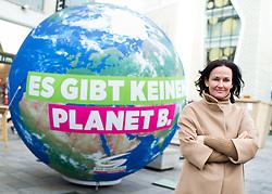 """18.05.2017, Wien, AUT, Grüne, Klubobfrau Eva Glawischnig gab bei einer Pressekonfernz am 18.05.2016 um 10:00 Uhr ihren Rücktritt bekannt. im Bild Archivbild Grüne Klubobfrau Eva Glawischnig am 30.11.2015 bei einer Fotoaktion anlässlich der Weltklimakonferenz """"COP21 in Paris"""" in der Wiener Mariahilferstrasse // FILEPHOTO of Leader of the parliamentary group the greens Eva Glawischnig<br />  during PR campaign of the greens according to world climate summit """"cop21"""" in Paris at Mariahilferstrasse in Vienna, Austria on 2015/11/30. Leader of the parliamentary group Eva Glawischnig (greens) resigned on 2017/05/18 from all political duties. EXPA Pictures © 2017, PhotoCredit: EXPA/ Michael Gruber"""