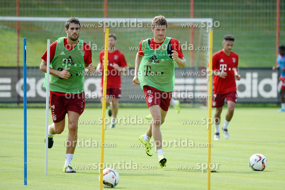 06.07.2015, Saebener Strasse, Muenchen, GER, 1. FBL, FC Bayern Muenchen, Training, im Bild vl. Java Martinez ( FC Bayern Muenchen ) und Thomas Mueller ( FC Bayern Muenchen ) // during a Trainingssession of German Bundesliga Club FC Bayern Munich at the Saebener Strasse in Muenchen, Germany on 2015/07/06. EXPA Pictures &copy; 2015, PhotoCredit: EXPA/ Eibner-Pressefoto/ Vallejos<br /> <br /> *****ATTENTION - OUT of GER*****