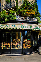 France, Paris (75), Café de Flore, Boulevard Saint Germain, durant le confinement du Covid 19 // France, Paris, Café de Flore in Boulevard Saint Germain during the containment of Covid 19