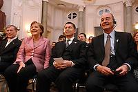 """24 MAR 2007, BERLIN/GERMANY:<br /> Horst Koehler, Bundespraesident, Angela Merkel, CDU, Bundeskanzlerin, und Joachim Sauer, Ehemann von A. Merkel, Jacques Chirac, Praesident Frankreich, (v.L.n.R.), vor einem Abendessen auf Einladung des Bundespraesidenten, im Rahmen des Treffens der Staats- und Regierungschefs der Europaeischen Union  anl. des 50. Jahrestages der """"Roemischen Vertraege"""", Schloss Bellevue<br /> IMAGE: 20070324-03-037<br /> KEYWORDS: Ehepartner, Horst Köhler"""