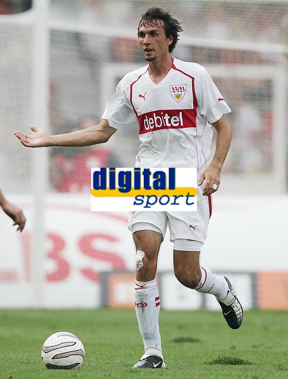 Fotball<br /> 08.08.2004<br /> Foto: Witters/Digitalsport<br /> NORWAY ONLY<br /> <br /> Martin Stranzl VfB Stuttgart<br /> Bundesliga VfB Stuttgart - FSV Mainz 05  4:2