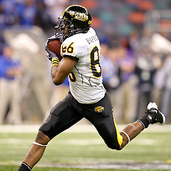 Dec 20, 2009; New Orleans, LA, USA; Southern Miss Golden Eagles wide receiver Peter Wilkes (86) catches a pass against the Middle Tennessee State Blue Raiders during the first half of the 2009 New Orleans Bowl at the Louisiana Superdome.  Mandatory Credit: Derick E. Hingle-US PRESSWIRE