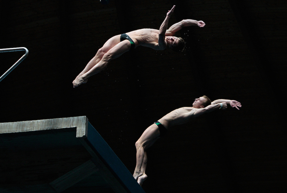 Hordeichick Timofei and Kaptur Vadim from Belarus compete in the synchronized platform final at the 16th FINA Diving Grand Prix in Madrid, Sunday, July 18, 2010...Hordeichick Timofei y Kaptur Vadim de Bielorrusia compiten en la final sincronizada masculina de plataforma en la 16ª FINA Diving Grand Prix en Madrid, Domingo 18 de Julio de 2010.