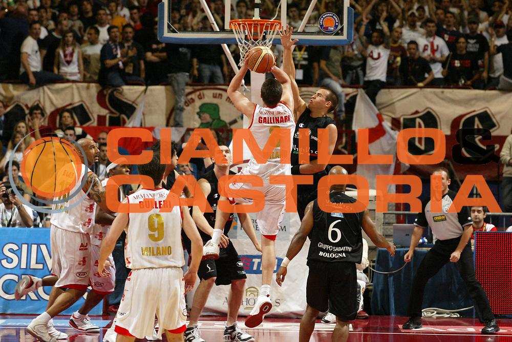 DESCRIZIONE : Milano Lega A1 2006-07 Playoff Semifinale Gara 1 Armani Jeans Milano VidiVici Virtus Bologna<br /> GIOCATORE : Danilo Gallinari<br /> SQUADRA : Armani Jeans Milano<br /> EVENTO : Campionato Lega A1 2006-2007 Playoff Semifinale Gara 1<br /> GARA : Armani Jeans Milano VidiVici Virtus Bologna<br /> DATA : 30/05/2007 <br /> CATEGORIA : Tiro<br /> SPORT : Pallacanestro <br /> AUTORE : Agenzia Ciamillo-Castoria/G.Cottini