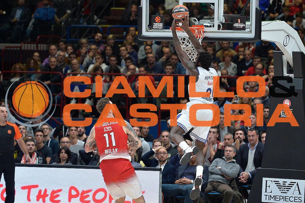 Hunter Othello<br /> Olimpia EA7 Emporio Armani Milano Real Madrid<br /> Eurolega  2016/2017<br /> Milano 27/10/2016<br /> Foto Ciamillo-Castoria<br /> Provvisorio