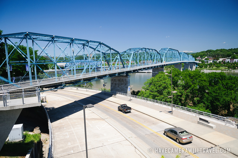 The Walnut Street Bridge, formerly a rail bridge but now converted to a pedestrian bridge, in Chattanooga, Tennessee