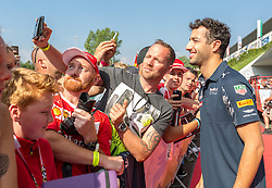 02.07.2016, Red Bull Ring, Spielberg, AUT, FIA, Formel 1, Roter Teppich, im Bild Daniel Ricciardo (AUS) Red Bull Racing // Australian Formula One drive Daniel Ricciardo of Red Bull Racing during the red carpet of at the Red Bull Ring in Spielberg, Austria, 2016/07/02, EXPA Pictures © 2016, PhotoCredit: EXPA/ Dominik Angerer
