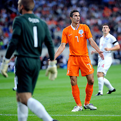 12-08-2009 VOETBAL: NEDERLAND - ENGELAND: AMSTERDAM<br /> Nederland speelt met 2-2 gelijk tegen Engeland / Robin van Persie<br /> ©2009-WWW.FOTOHOOGENDOORN.NL
