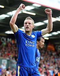 Jamie Vardy of Leicester City celebrates to make it 1-1 - Mandatory byline: Alex James/JMP - 07966386802 - 29/08/2015 - FOOTBALL - Dean Court -Bournemouth,England - AFC Bournemouth v Leicester City - Barclays Premier League