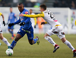 03.03.2018, TGW Arena, Pasching, AUT, 1. FBL, LASK Linz vs SK Puntigamer Sturm Graz, 25. Runde, im Bild v.l. Emeka Friday Eze (SK Puntigamer Sturm Graz), Reinhold Ranftl (LASK Linz) // during the Austrian Football Bundesliga 25th Round match between LASK Linz und SK Puntigamer Sturm Graz at the TGW Arena in Pasching, Austria on 2018/03/03. EXPA Pictures © 2018, PhotoCredit: EXPA/ Roland Hackl