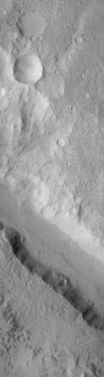 Ma'adim Valles is the channel crossing this VIS image.