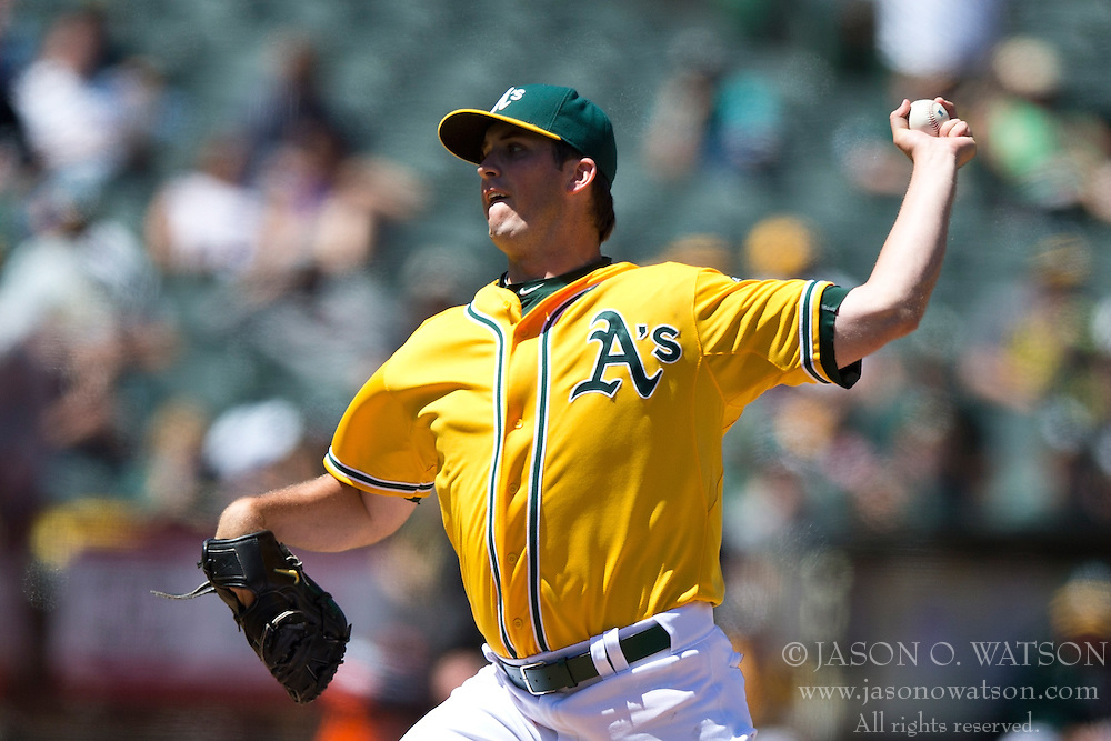 OAKLAND, CA - JUNE 18:  Drew Pomeranz #13 of the Oakland Athletics at bat against the San Diego Padres during the eighth inning at O.co Coliseum on June 18, 2015 in Oakland, California. The San Diego Padres defeated the Oakland Athletics 3-1. (Photo by Jason O. Watson/Getty Images) *** Local Caption *** Drew Pomeranz