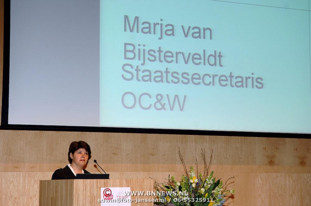 NLD/Amsterdam/20070308 - Presentatie KRO programma Teams Up, Marja van Bijsterveldt