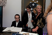 CHARLES ELLIASCH; ALEXANDER EVERINGTON; AMANDA ELIASCH, Party at the home of Amanda Eliasch in Chelsea after the opening of As I Like it. A memory by Amanda Eliasch and Lyall Watson. Chelsea Theatre. Worl's End. London. 4 July 2010<br /> <br />  , -DO NOT ARCHIVE-© Copyright Photograph by Dafydd Jones. 248 Clapham Rd. London SW9 0PZ. Tel 0207 820 0771. www.dafjones.com.