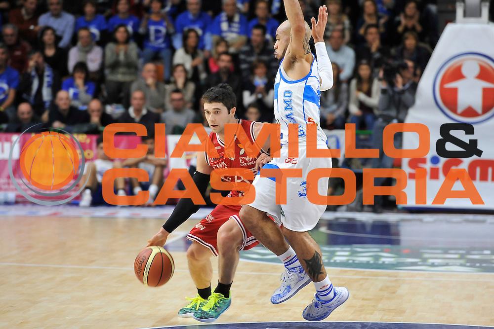 DESCRIZIONE : Campionato 2014/15 Dinamo Banco di Sardegna Sassari - Olimpia EA7 Emporio Armani Milano<br /> GIOCATORE : Trenton Meacham<br /> CATEGORIA : Palleggio Penetrazione<br /> SQUADRA : Olimpia EA7 Emporio Armani Milano<br /> EVENTO : LegaBasket Serie A Beko 2014/2015<br /> GARA : Dinamo Banco di Sardegna Sassari - Olimpia EA7 Emporio Armani Milano<br /> DATA : 07/12/2014<br /> SPORT : Pallacanestro <br /> AUTORE : Agenzia Ciamillo-Castoria / Luigi Canu<br /> Galleria : LegaBasket Serie A Beko 2014/2015<br /> Fotonotizia : Campionato 2014/15 Dinamo Banco di Sardegna Sassari - Olimpia EA7 Emporio Armani Milano<br /> Predefinita :