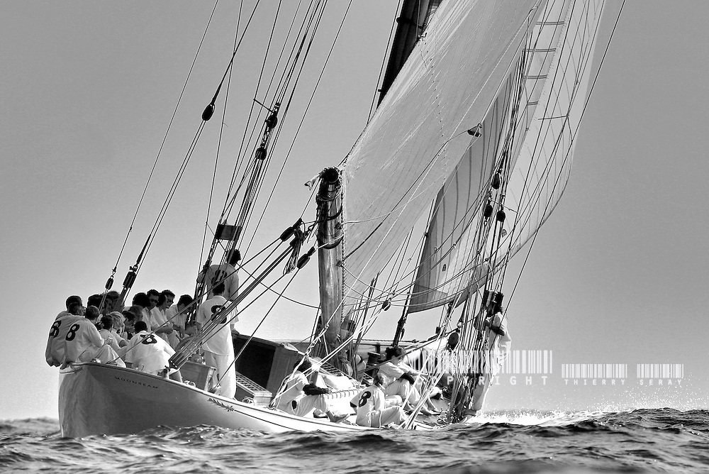 BLACK AND WHITE SAILING GALLERY.Copyright : THIERRYSERAY.COM..Toute reproduction interdite sans autorisation
