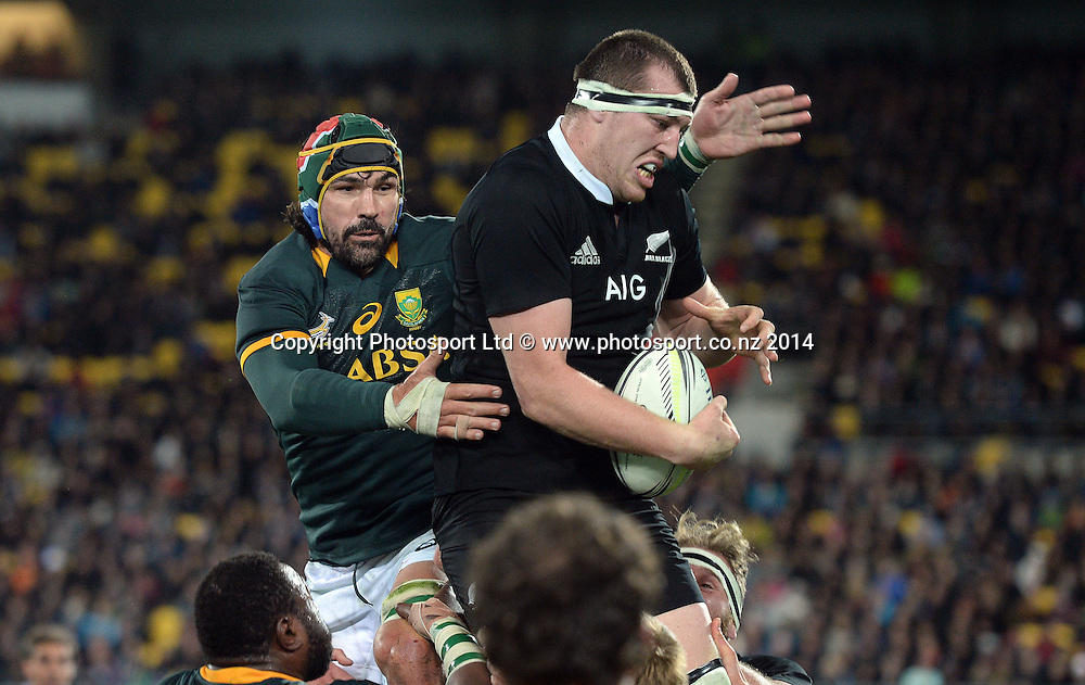 Victor Matfield and Brodie Retallick. New Zealand All Blacks versus South Africa Springboks. The Rugby Championship. Rugby Union Test Match. Wellington. New Zealand. Saturday 13 September 2014. Photo: Andrew Cornaga/www.Photosport.co.nz