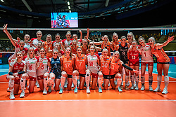 30-05-2019 NED: Volleyball Nations League Netherlands - Poland, Apeldoorn<br /> Team Netherlands and Poland organize the 2022 World Cup together