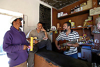12 JAN 2006, FOGO/CAPE VERDE:<br /> Maenner machen Musik, in einem kleinen Genossenschaftsladen in Bangaeira in der Cha das Caldeiras, am Fusse des Pico de Fogo, Fogo, Kapverdischen Inseln<br /> Men are making musik in a small shop in Bangaeira into the Cha das Caldeiras, near the Pico de Fogo, Island Fogo, Cape verde islands<br /> IMAGE: 20060112-01-042<br /> KEYWORDS: Travel, Reise, Natur, nature, cabo verde, Dritte Welt, Third World, Kapverden, People, leute