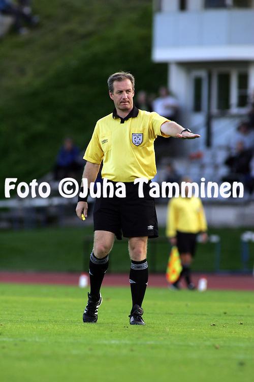 22.08.2004, Kauriala, H?meenlinna, Finland..Veikkausliiga 2004 / Finnish League 2004.FC H?meenlinna v FC Lahti.Erotuomari Mika Peltola.©Juha Tamminen.....ARK:k