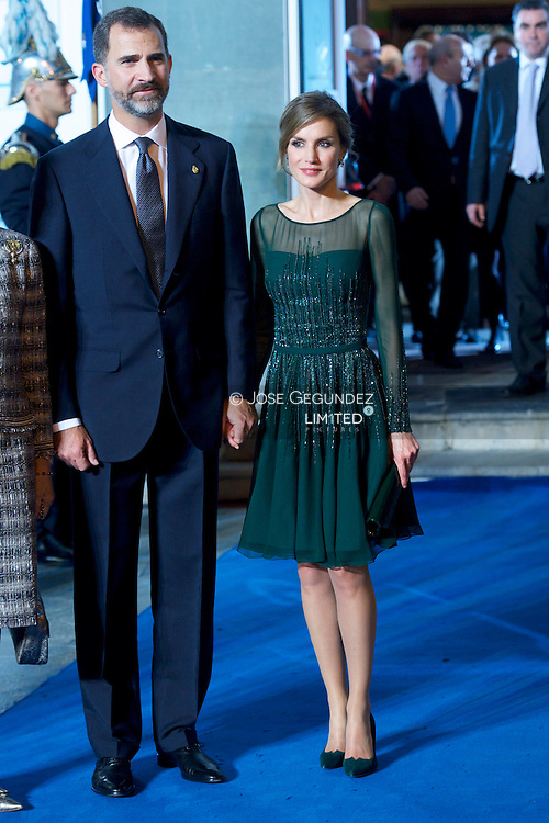 Queen Sofia of Spain, Prince Felipe of Spain and Princess Letizia of Spain attend the 'Prince of Asturias Awards 2013' ceremony at the Campoamor Theater on October 25, 2013 in Oviedo, Spain.