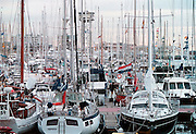 Spanje, Barcelona, 10-1-2004..Jachten en zeilboten in de jachthaven van barcelonetta...Ook Nederlandse vlag. Watersport, vakantie, toerisme, zwart geld, smokkel...Foto: Flip Franssen