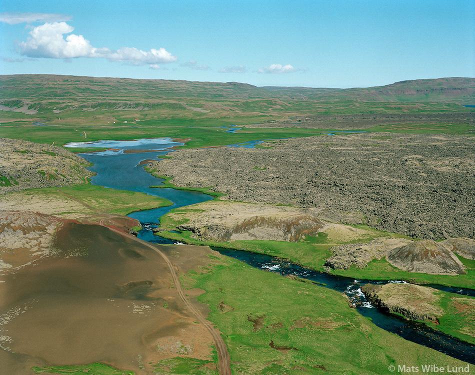 Haffjarðará séð til norðurs, Höfði í bakgr. Eyja- og Miklaholtshreppur /  Haffjardara viewing north, Hofdi in backgr. Eyja- og Miklaholtshreppur.