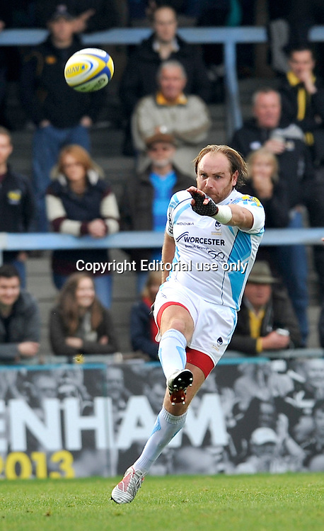 High Wycombe, England. Andy Goode of Worcester Warriors drop kicks a goal during the Aviva Premiership match between London Wasps and Worcester Warriors at Adam Park on October 7, 2012 in High Wycombe, England. Photo Michael Paler/ Photosport.co.nz